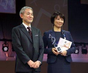 Вместо Кодзимы награды Metal Gear Solid 5 на PS Awards забирал пиарщик