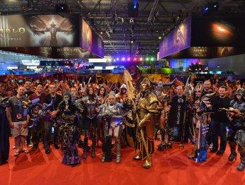 Лучшие костюмы со стенда Blizzard на Gamescom 2013