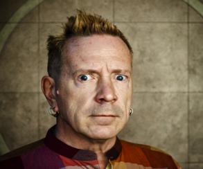 Солист Sex Pistols потратил более $15 тыс. на микроплатежи в F2P-играх