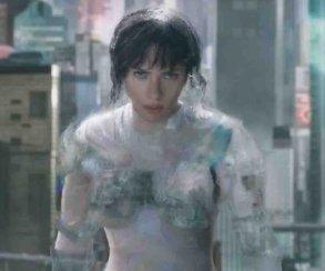 Видео: вся драка с невидимкой из американской Ghost in the Shell