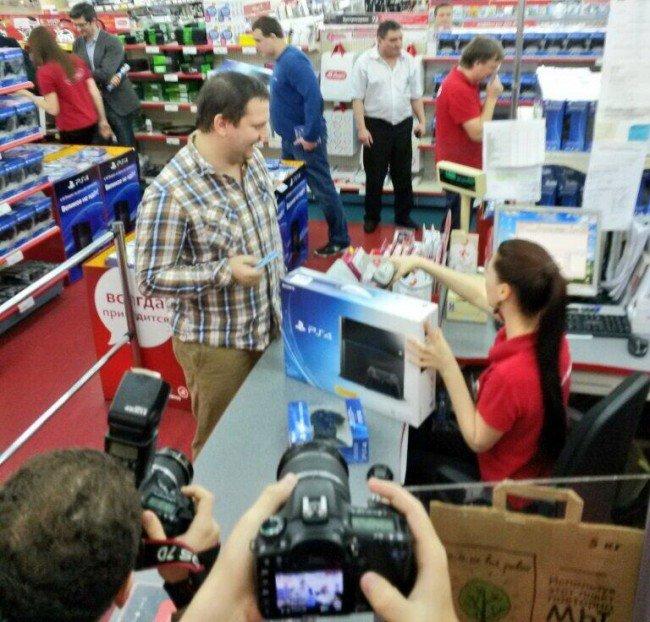 Sony пообещала справиться с задранными ценами на PS4 в январе - Изображение 1
