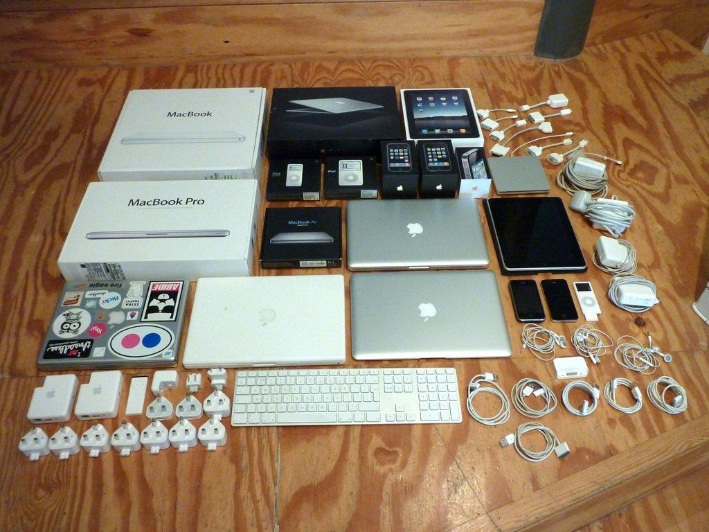 Apple запретила партнерам возить свою продукцию в Крым - Изображение 1