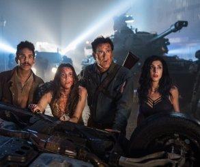 Критики остались ввосторге отпремьеры 3 сезона сериала «Эшпротив зловещих мертвецов»