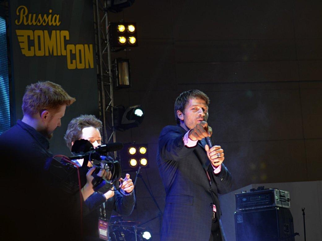 Фотоотчет с «Игромира» и Comic Con Russia, день 3 – Миша Коллинз | Канобу - Изображение 820