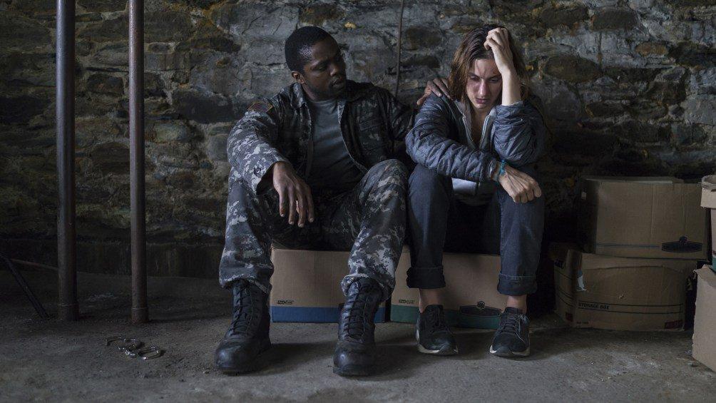 Кто прав? Сериал «Мгла» по Стивену Кингу ругают критики и хвалят гики | Канобу - Изображение 3691