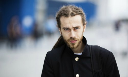 Децл критикует молодых рэперов в новом альбоме «Неважно кто там у руля»