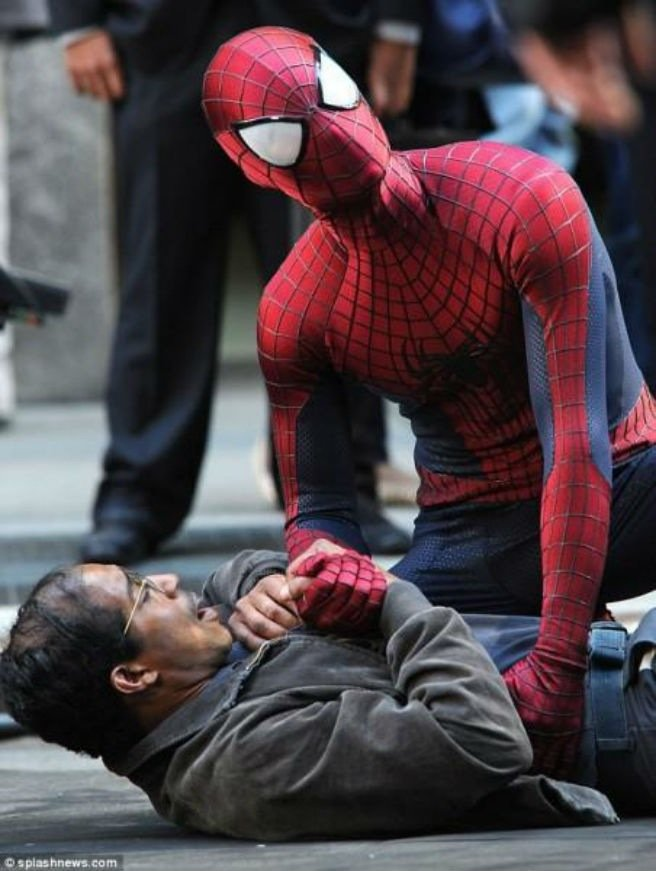 Сравниваем три киноверсии Человека-паука: Магуайр, Гарфилд, Холланд. - Изображение 14