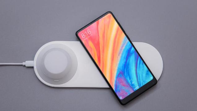 Xiaomi выпустила Yeelight Wireless Charging Night Lamp: ночник и беспроводную зарядку для смартфонов | Канобу - Изображение 9654