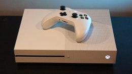 СМИ: Microsoft выпустит в 2019 году дешевую версию Xbox One без дискового привода