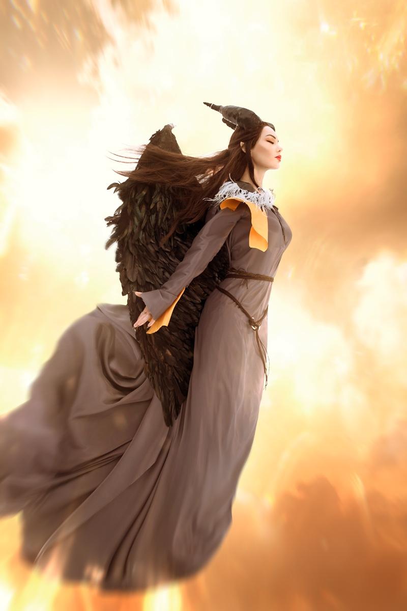 Очаровательная Малефисента в потрясающем косплее от Марины Ханны