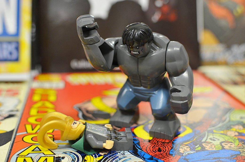 Топ-модель по-русски: «Канобу» устраивает фотосессию LEGO-супергероям | Канобу - Изображение 6